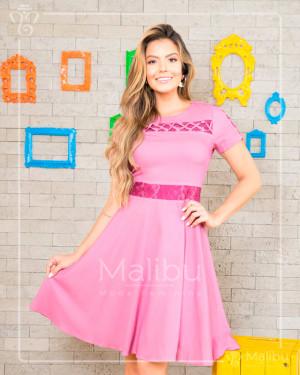 Vestido godê rosa em chambray | Moda Evangelica