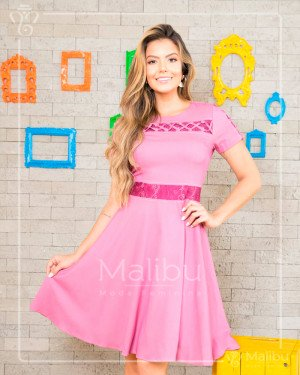 7cee944ab2 Vestido godê rosa em chambray